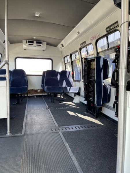 Ford Econoline Commercial Cutaway 2001 price $8,998