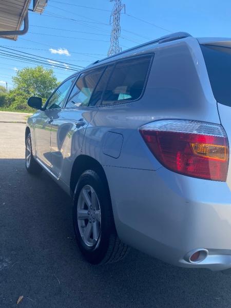 Toyota Highlander 2010 price $12,998