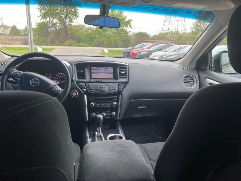 Nissan Pathfinder 2014 price $15,998