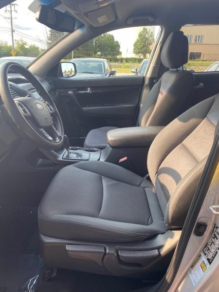 Kia Sorento 2011 price $10,498