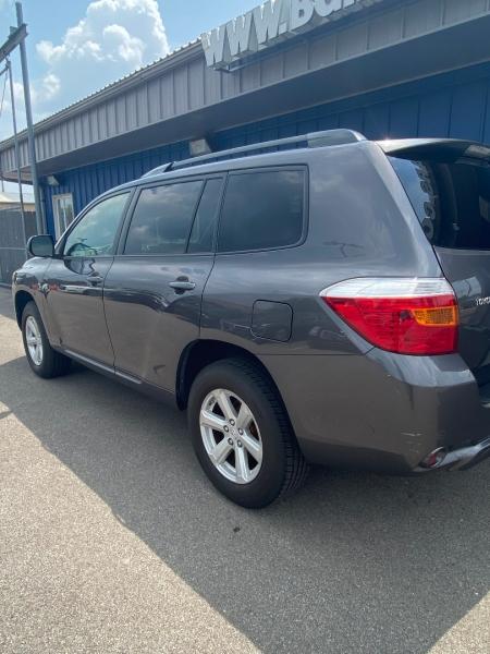 Toyota Highlander 2008 price $11,999