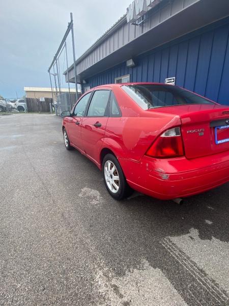 Ford Focus 2005 price $2,999