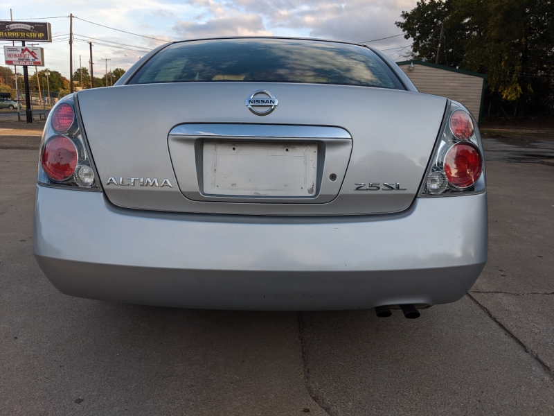 Nissan Altima 2006 price $1,999 Cash