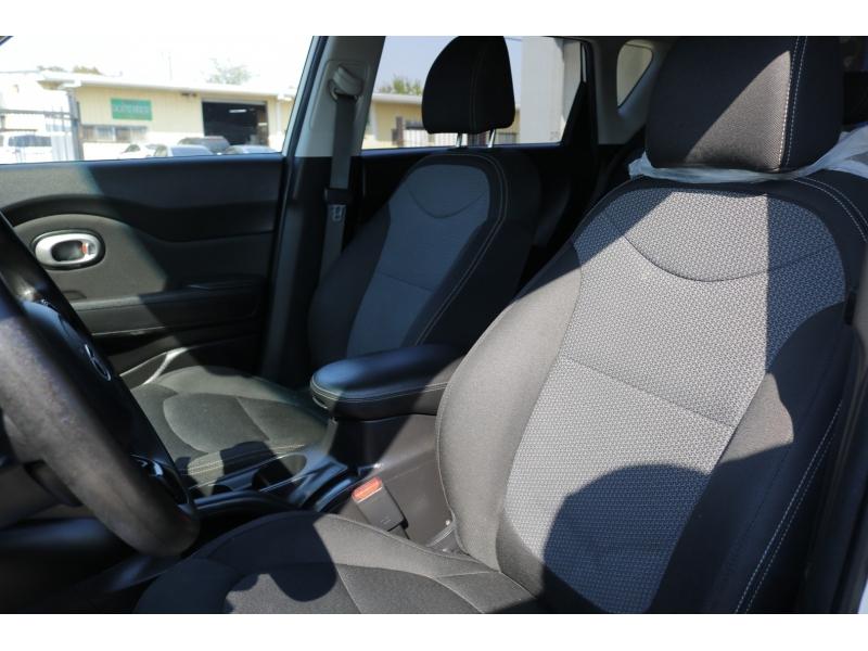 Kia Soul 2017 price $2,300