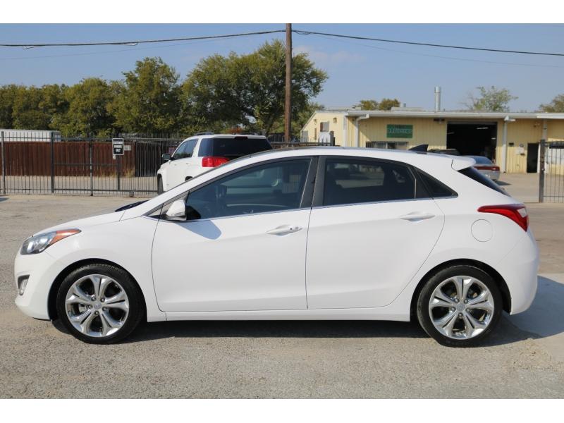 Hyundai Elantra GT 2013 price $1,800