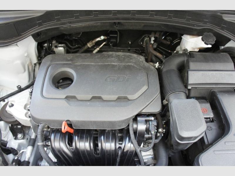 Hyundai Santa Fe Sport 2018 price $14,977