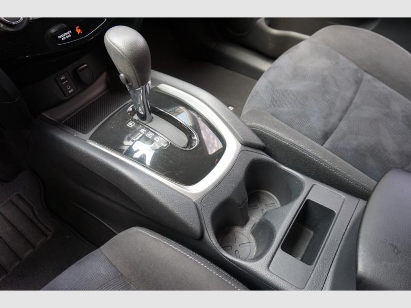 Nissan Rogue 2015 price $9,977