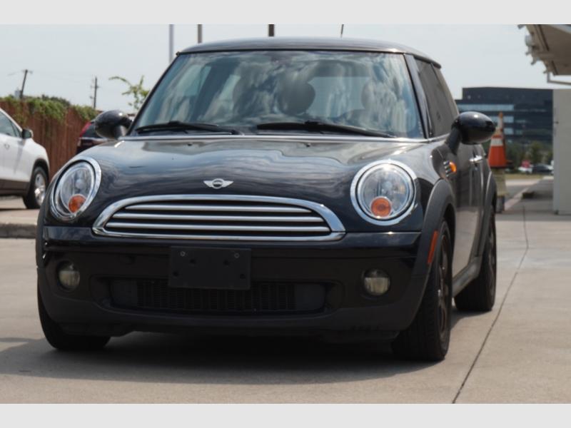 Mini Cooper Hardtop 2009 price $4,977