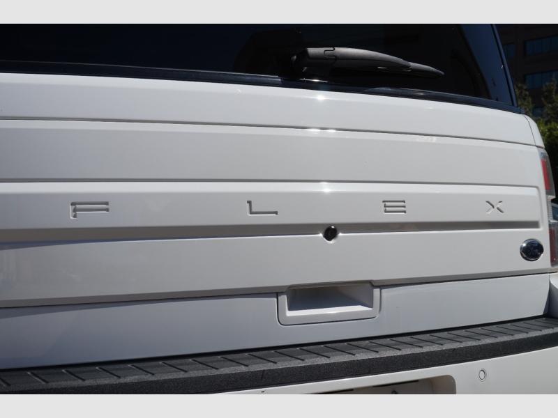 Ford Flex 2017 price $15,977