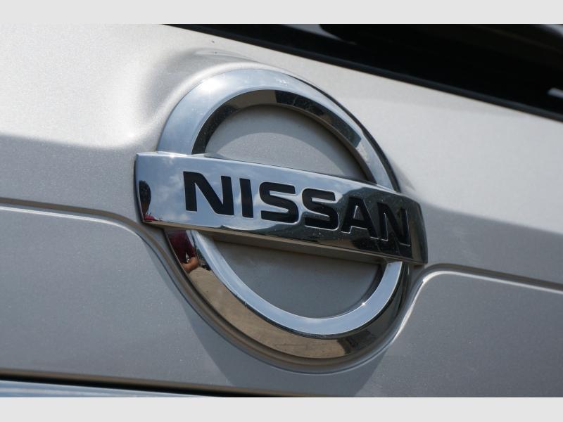 Nissan Rogue 2017 price $13,777