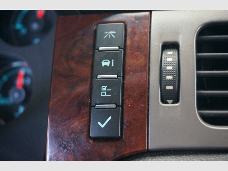 Chevrolet Suburban 2013 price $14,777