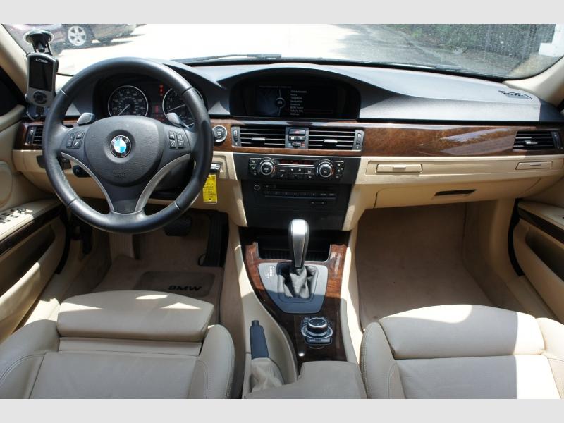 BMW 3-Series 2010 price $12,777