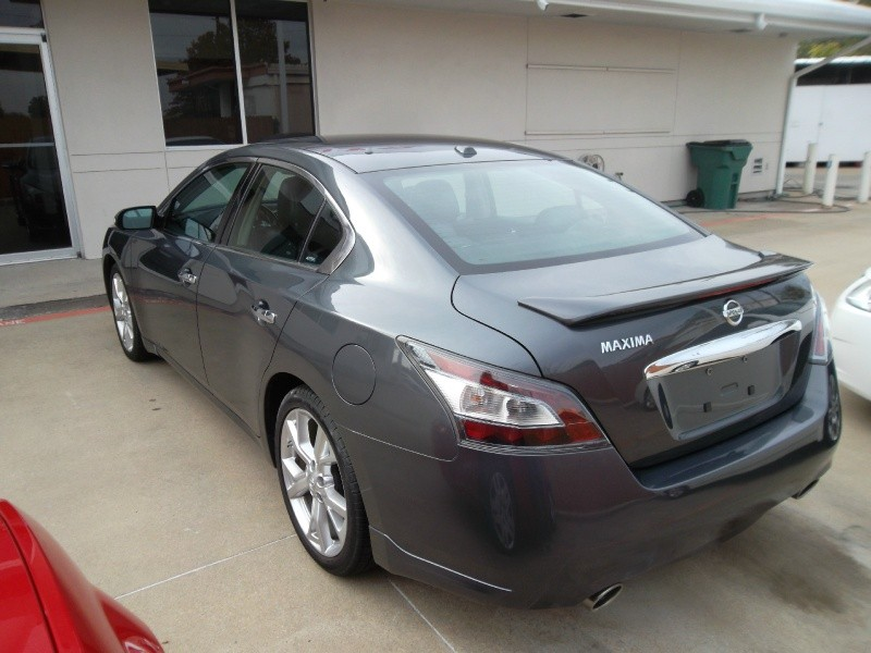 Nissan Maxima 2012 price $10,777