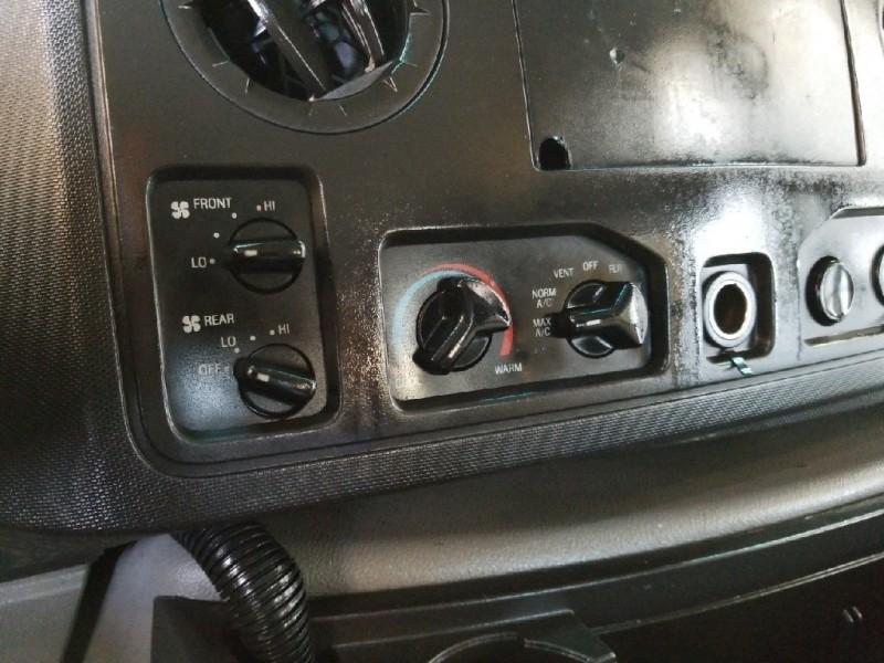 Ford E-350SD 2013 price $12,949