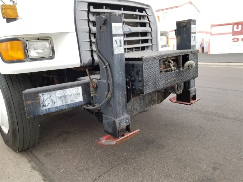 Ford F-800 1998 price $28,877
