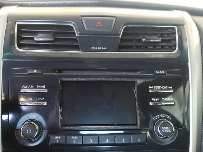 Nissan Altima 2015 price $11,977