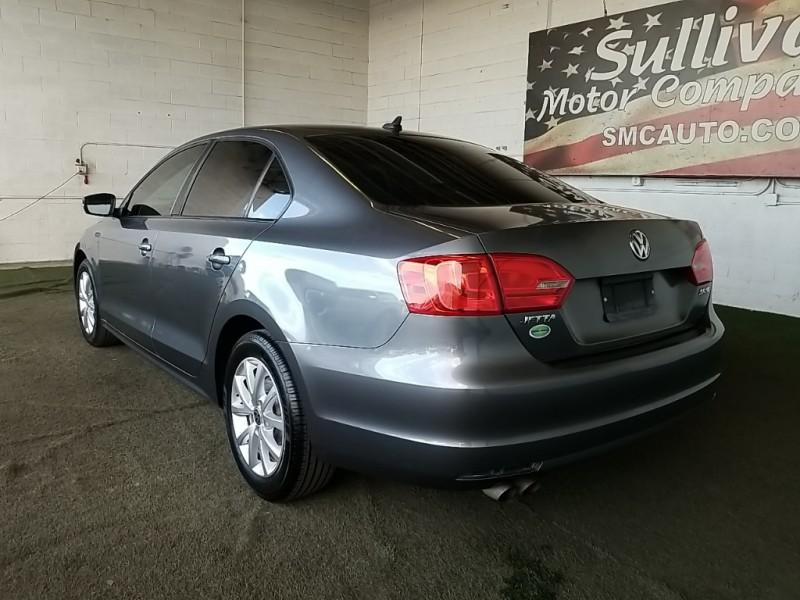 Volkswagen Jetta 2011 price $10,777