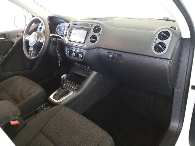 Volkswagen Tiguan 2012 price $12,977