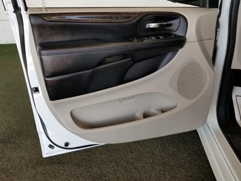 Dodge Grand Caravan 2019 price $23,989