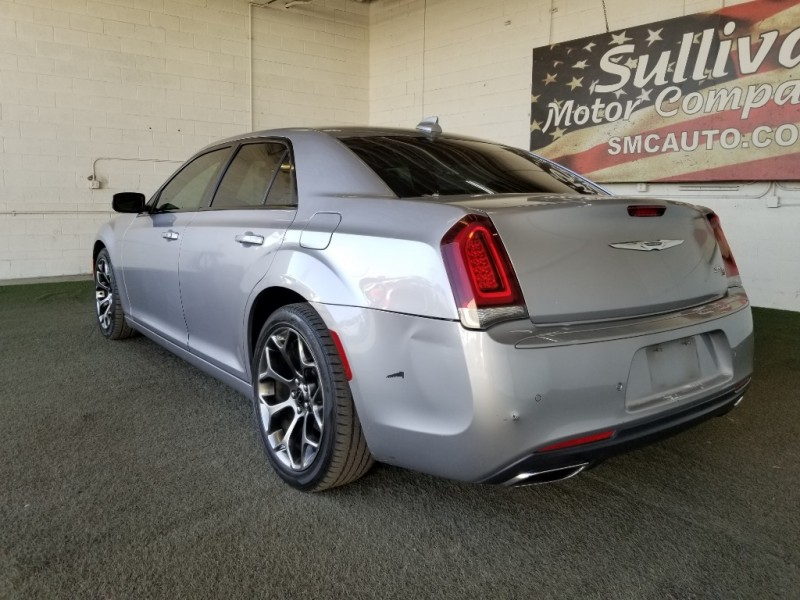 Chrysler 300 2015 price $20,977