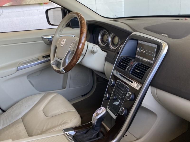 Volvo XC60 2013 price $15,977