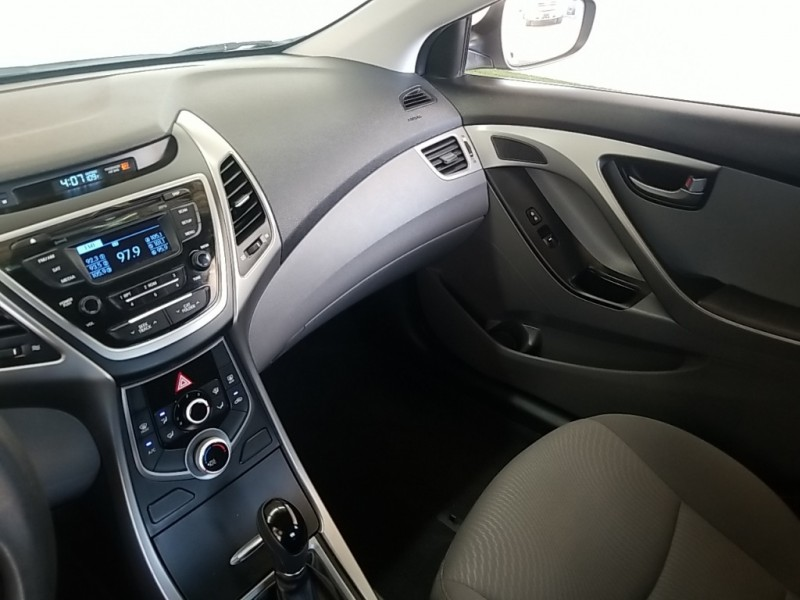 Hyundai Elantra 2016 price $15,977