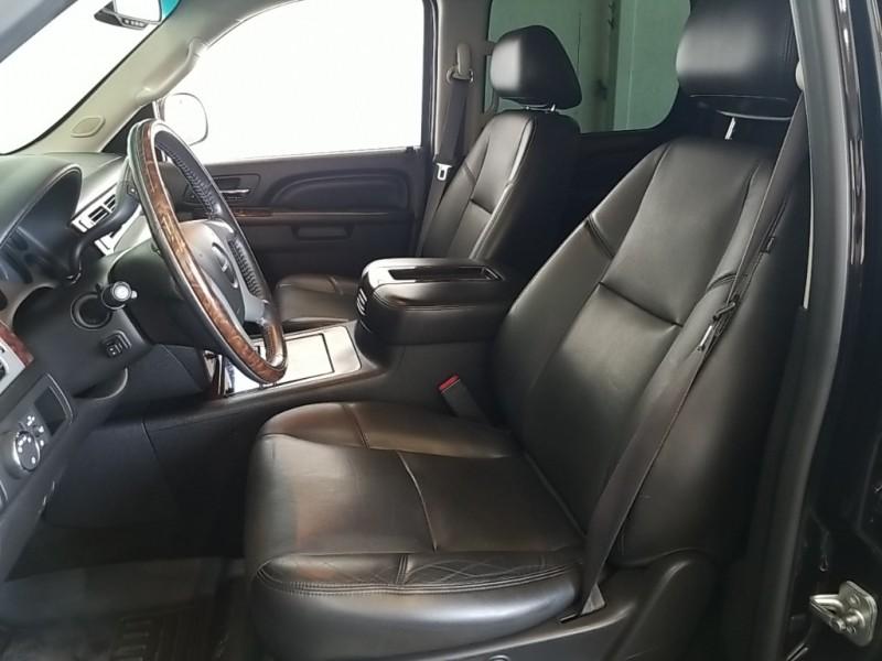 GMC Yukon XL 2013 price $32,977