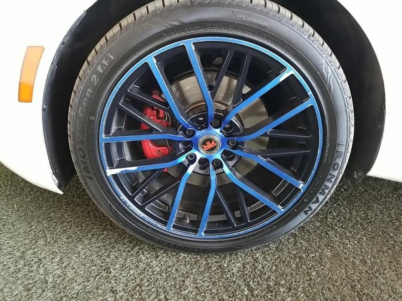 Volkswagen Beetle 2014 price $14,777