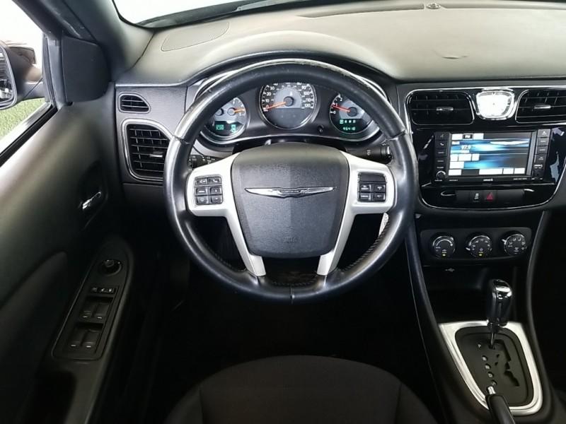 Chrysler 200 2014 price $10,577