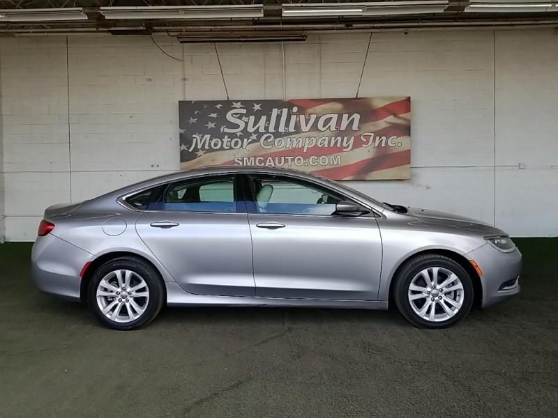 Chrysler 200 2015 price $17,777