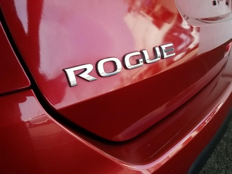 Nissan Rogue 2015 price $15,977