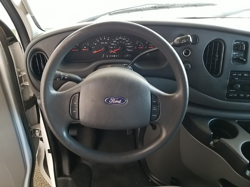 Ford E-350SD 2008 price $19,777