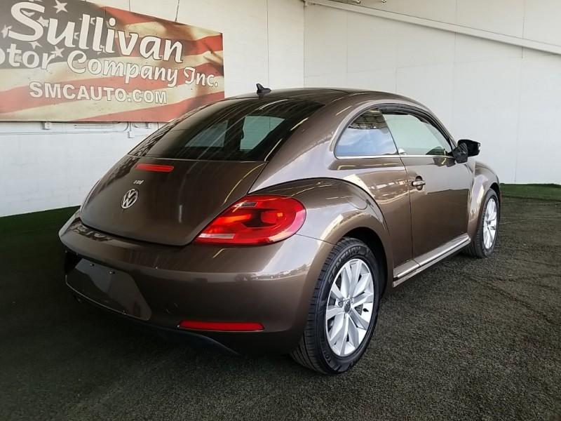 Volkswagen Beetle 2014 price $16,577