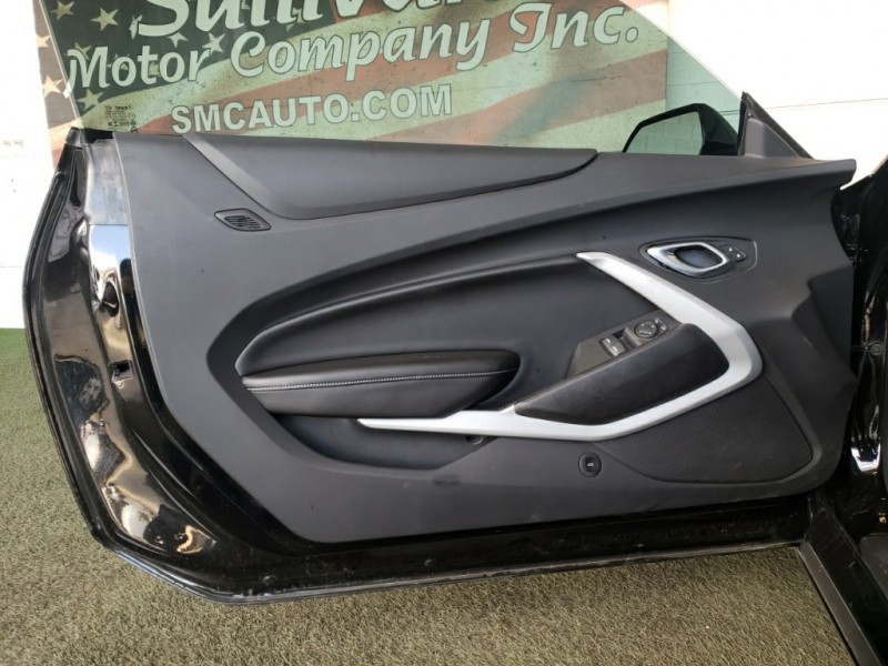 Chevrolet Camaro 2018 price $37,977
