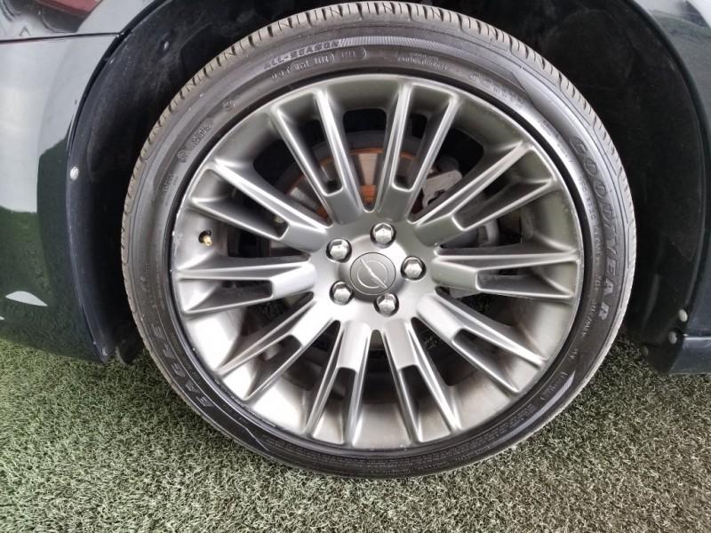 Chrysler 300C 2013 price $19,577