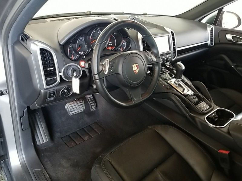 Porsche Cayenne 2014 price $27,377