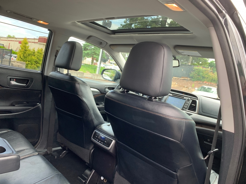 Toyota Highlander 2014 price $18,995