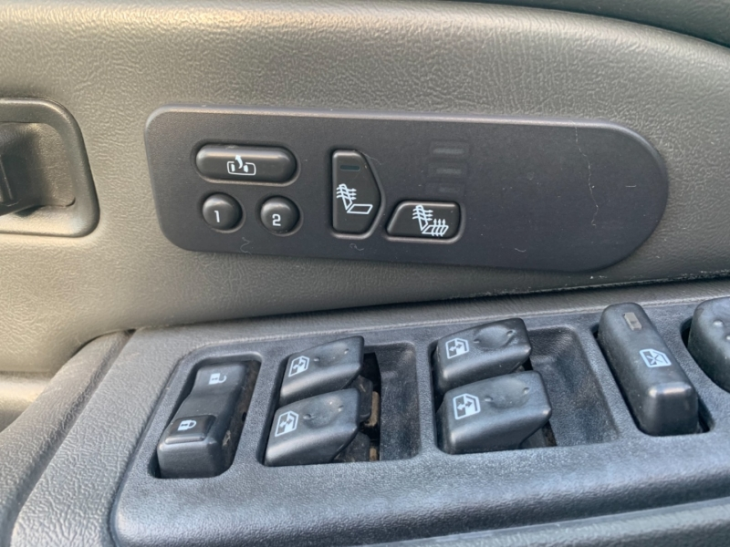 GMC Sierra 2500HD 2004 price $21,995