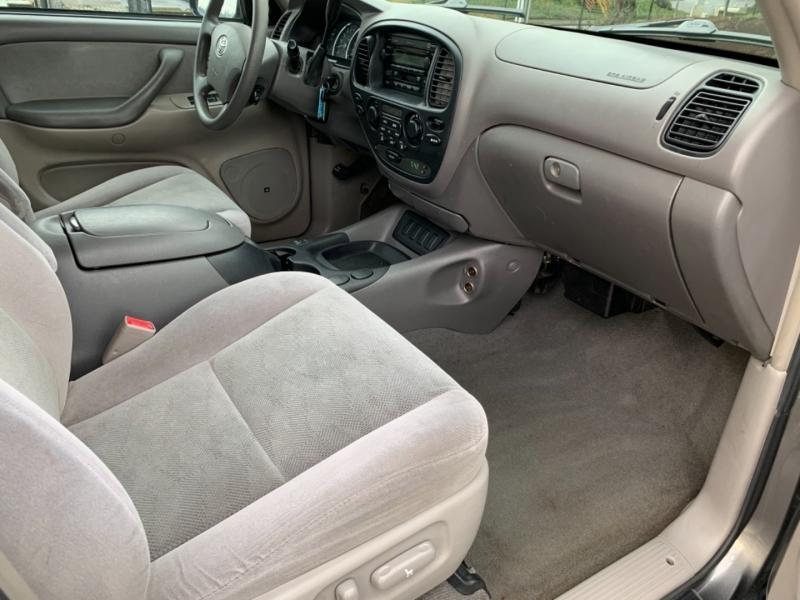 Toyota Sequoia 2006 price $6,595