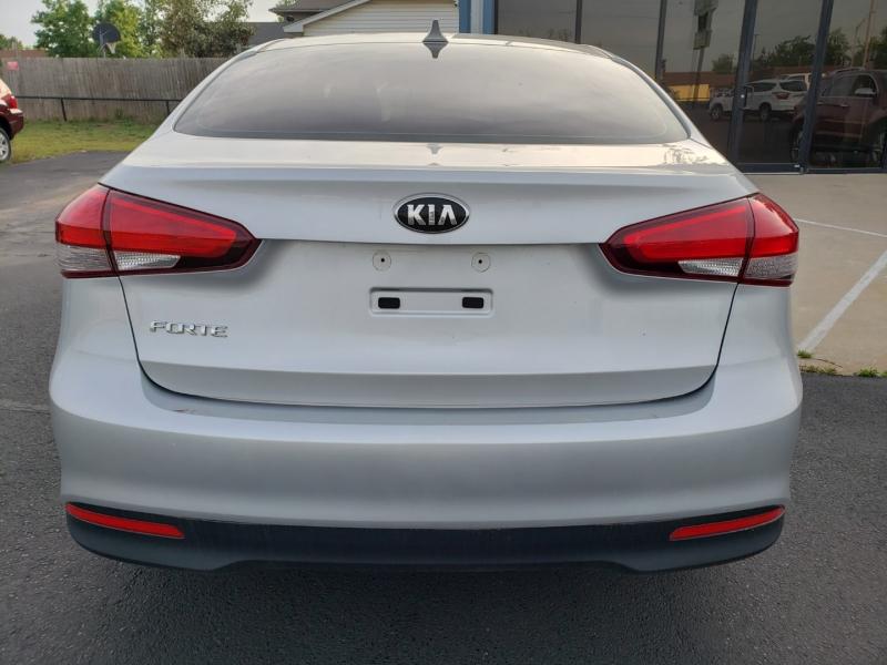 Kia Forte 2017 price $10,999