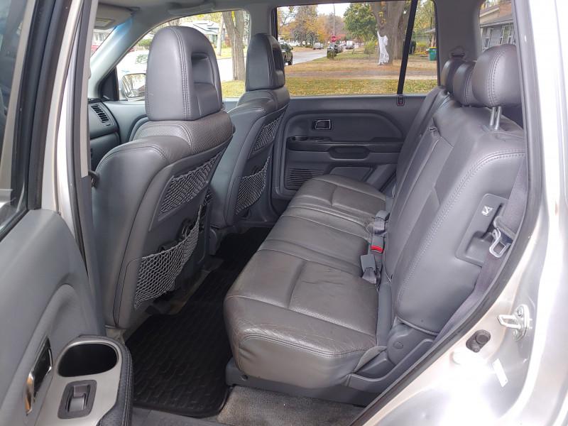 Honda Pilot 2005 price $4,895