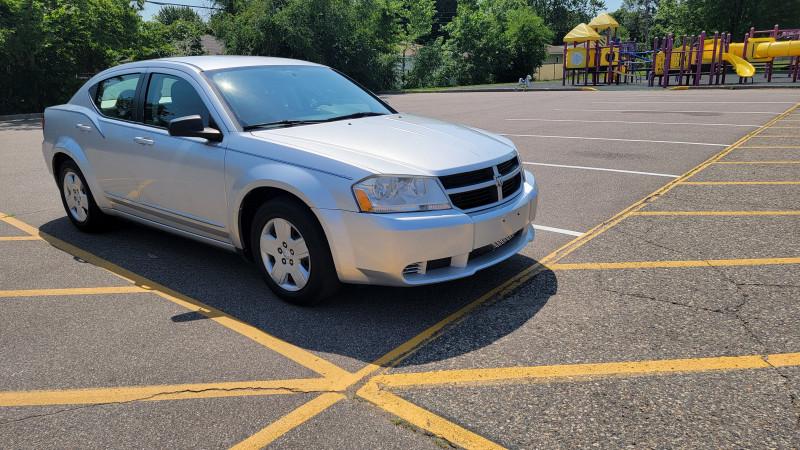 Dodge Avenger 2010 price $4,295