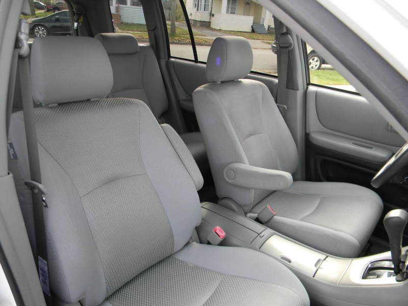 Toyota Highlander 2007 price $7,799