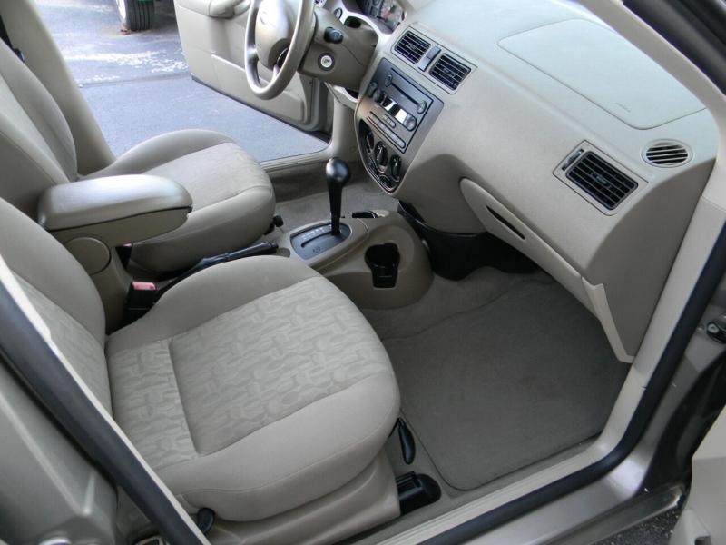 Ford Focus 2005 price $5,999