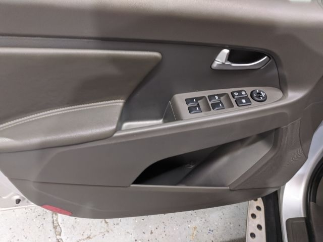 Kia Sportage 2012 price Call for Pricing.