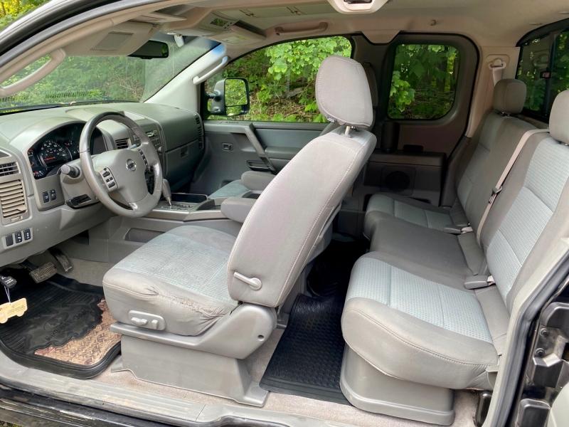 Nissan Titan 2006 price $8,995