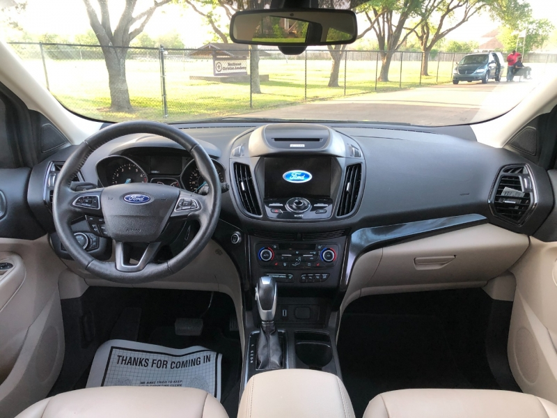 Ford Escape 2018 price $16,800