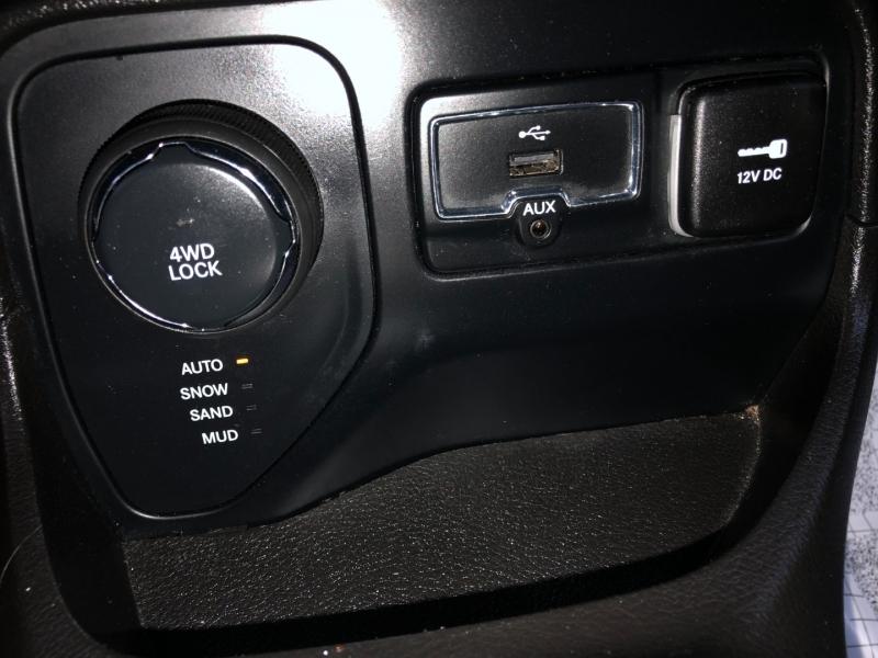 Jeep Renegade 2017 price $13,200