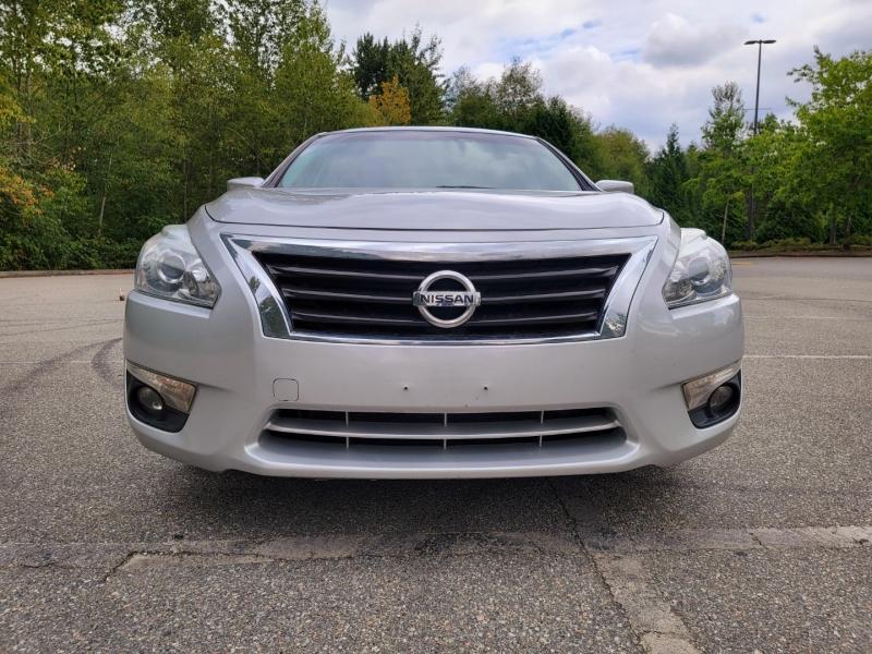 Nissan Altima 2014 price $8,888