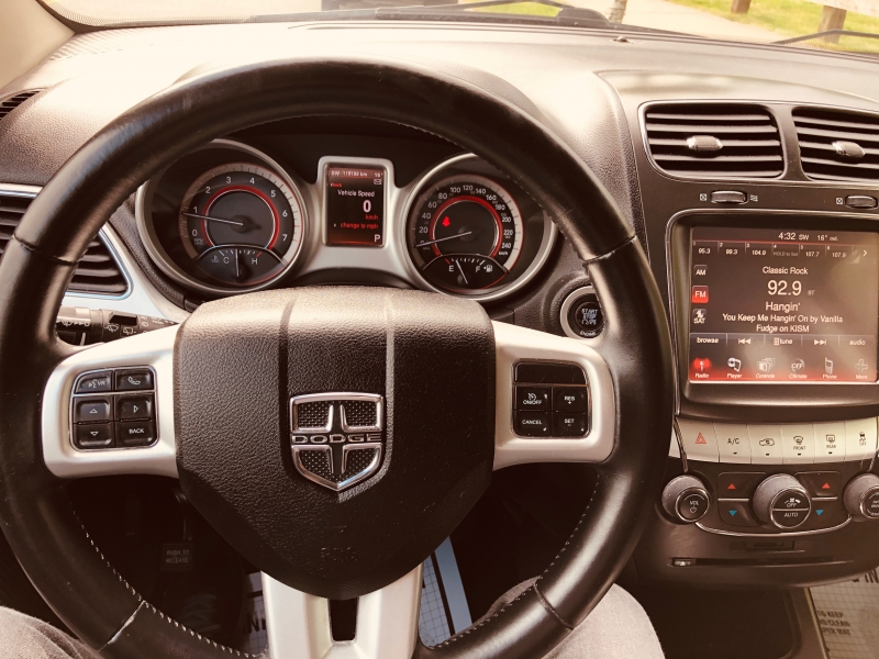 Dodge Journey 2013 price $10,888
